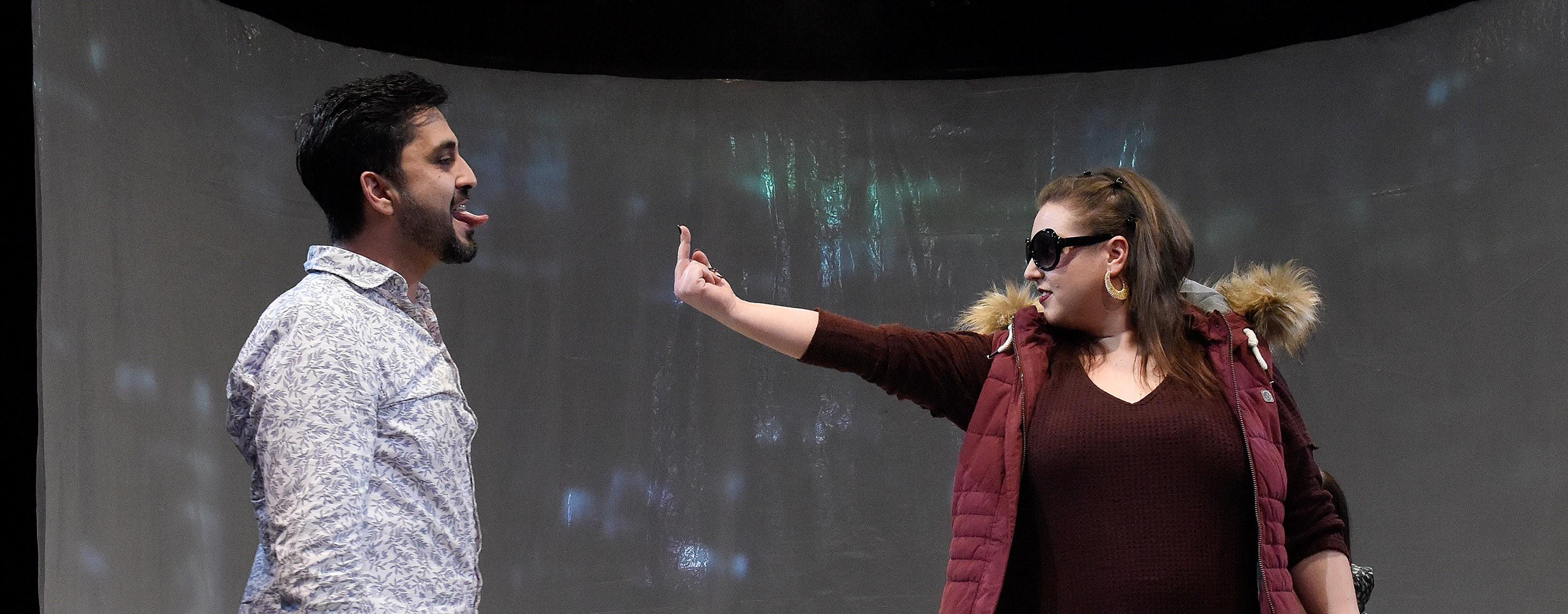 "Theaterhaus in G7: ""Nicht ohne Dich"" mit: Müjdat Yüksel, Vivien Zisack, Anna Göbel, Irina Maier, Björn Luithardt, Aaron Jeske Regie: Inka Neubert Foto Thomas Troester"